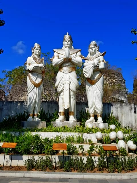 Day tours in Bali GWK