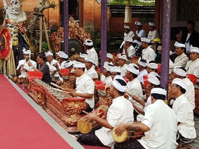 Private tours in Bali tradition